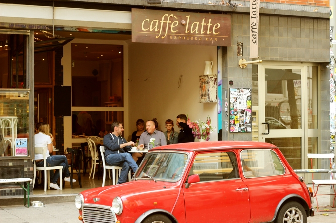 The facade of Cafe Latte in Hamburg.