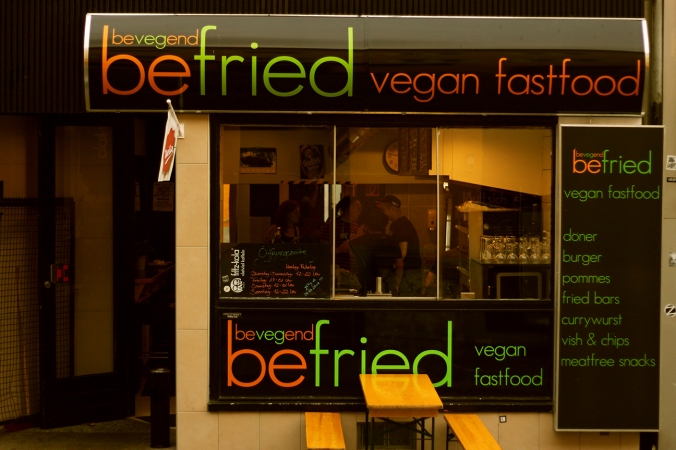 A picture of the façade of Befried vegan fast food restaurant, Hamburg.