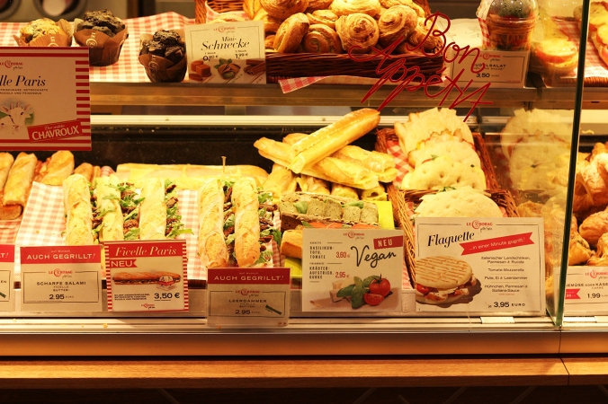 A picture of the vegan baguettes at Le Crobag